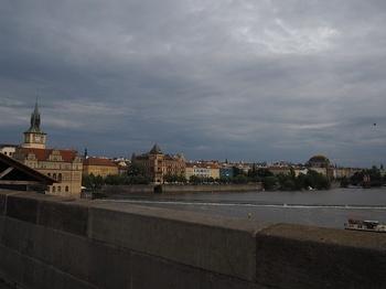 カレル橋から.jpg
